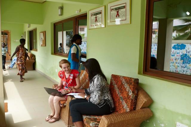 Staż w West Africa AIDS Foundation. Zadaniem studentów i studentek jest pomoc w przyjęciach pacjentów, doradztwo i organizacja wydarzeń fundraisingowych.